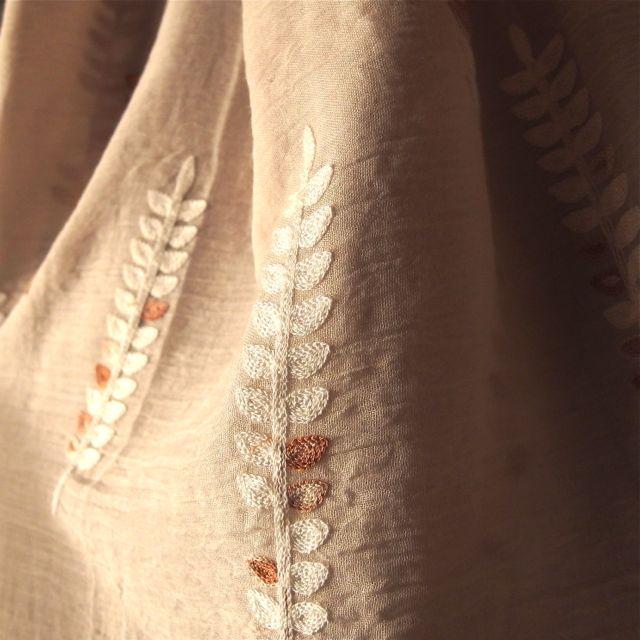 画像2: 刺繍ショール
