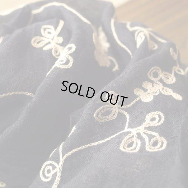 画像4: ハンドメイド刺繍ショール